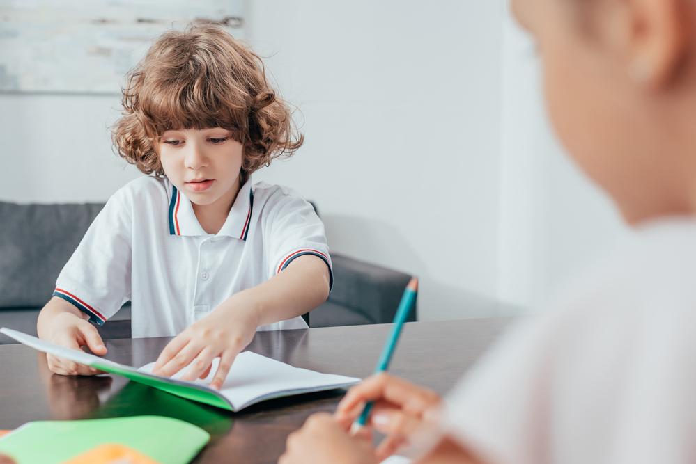 estimular o seu filho a aprender inglês